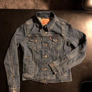 Levi's Denim jean Jacket NWOT